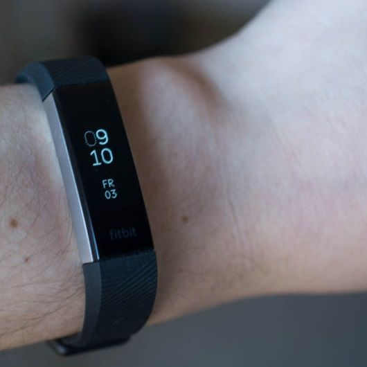 Curetechie Buying factors for fitness band activity tracker